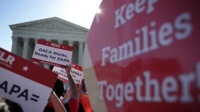 Manifestación a favor de DACA en las afueras de la Corte Suprema en Wash...