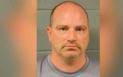 Thomas Keck, de 40 años fue arrestado bajo cargos de intentar con...