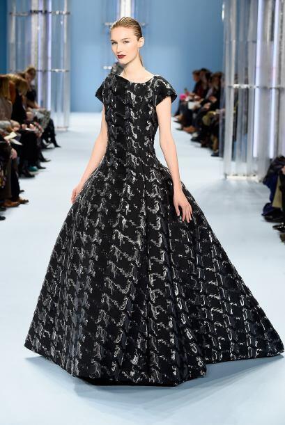 Los vestidos de noche indudablemente conquistaron a muchas mujeres del p...
