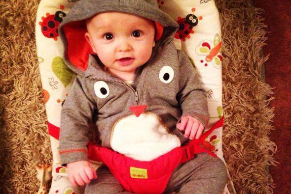 Este bebé le dio a su hermana mayor el mejor regalo que pueda existir en...