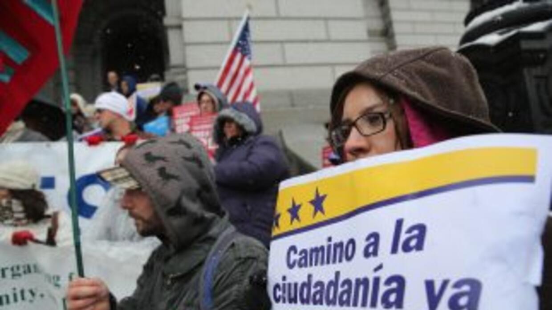 Al menos 11 millones de indocumentados aguardan una reforma migratoria a...
