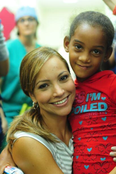 """""""Como Embajadora de Sonrisas para Operación Sonrisa, mi corazón está lle..."""