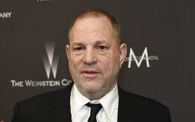 En esta foto del 8 de enero del 2017, Harvey Weinstein llega a la fiesta...