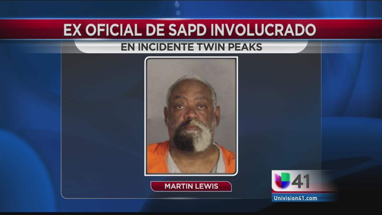 Martin Lewis, exagente de policía de SA detenido en Waco.