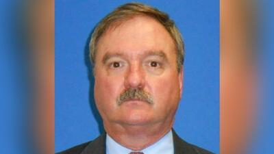 El oficial Clint Greenwood, asistente del jefe del precinto 3 del condad...