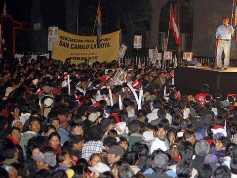 Los candidatos que aspiran a la silla presidencial de Perú concre...