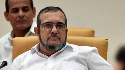El máximo líder de las FARC Rodrigo Londoño, alias Timochenko, durante l...