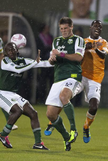 Con la derrota el cuadro verde requiere ganar sus últimos dos encuentros...