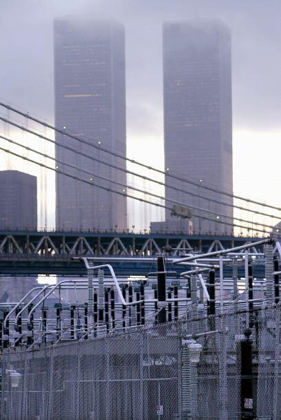 110 PISOS- Es el número de pisos que tenía cada una de las torres que co...