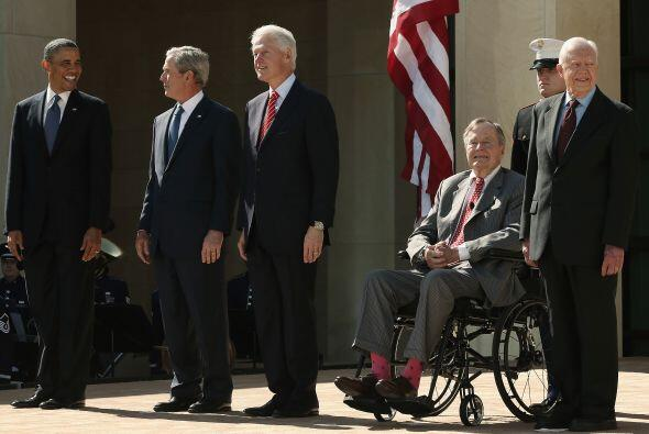 Este 25 deabril de 2013, Obama y los expresidentes republicanos George H...