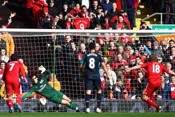 Los 'Reds' pudieron haberse puesto en ventaja pero Kuyt no pudo concreta...