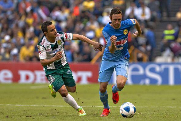 Layún también aportó su buen fútbol a diferencia de Luis Montes quien no...