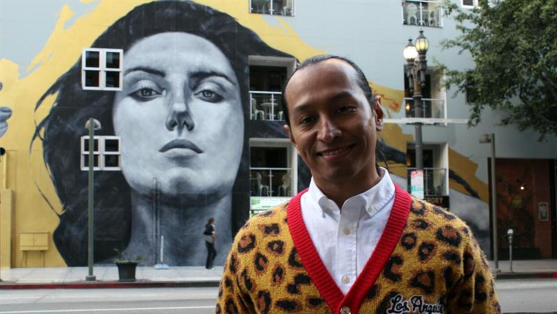 El artista pinta murales y retratos desde hace una desde hace una décadda