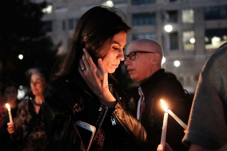 Pese al dolor, los neoyorquinos han salido a expresar su duelo y a conti...
