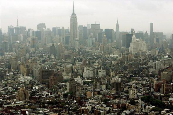 Manhattan, el corazón de la ciudad es donde encontraras a miles de hispa...