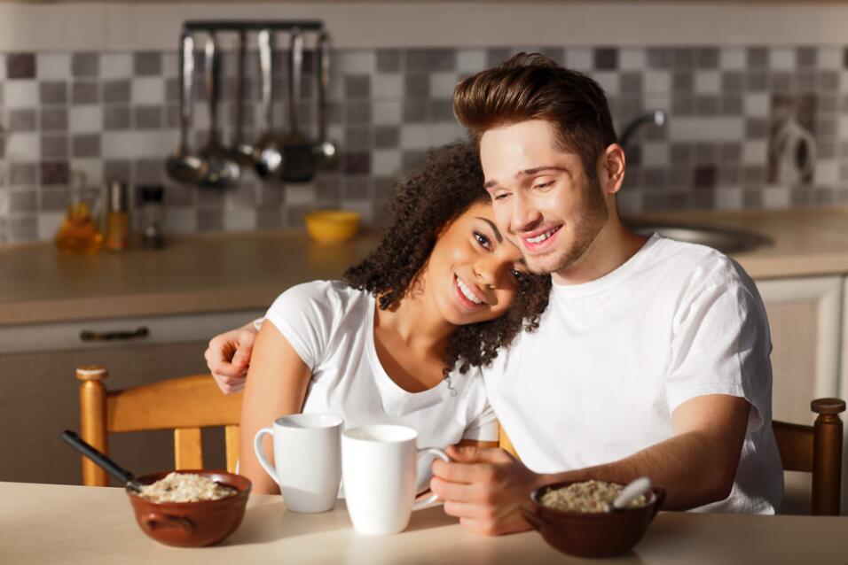 parejas ligando - amor - romance