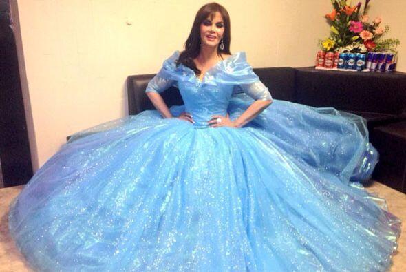 Lucía Méndez recibió un premio de la comunidad LGBT y lo hizo disfrazada...