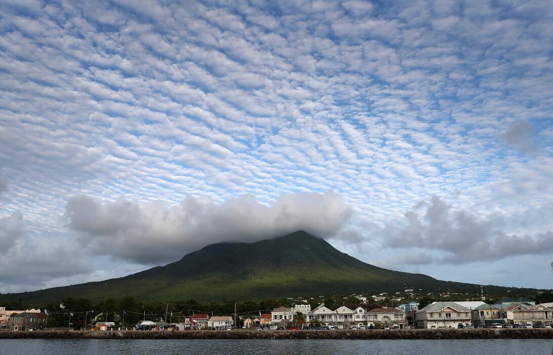 Las nubes: el lienzo eterno que nos reta a levantar la mirada  GettyImag...