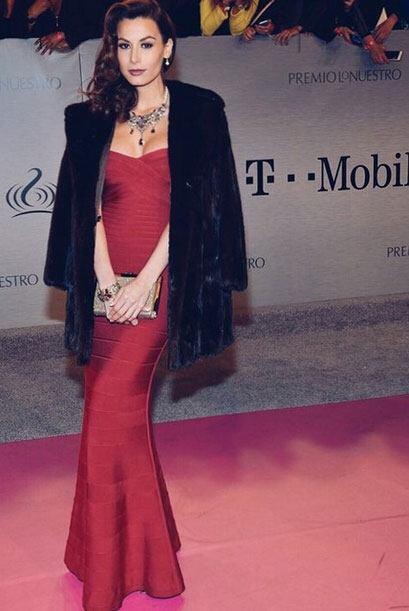Nastassja Bolívar es una mujer latina extremadamente bella y sensual, mu...