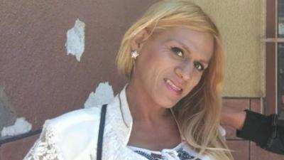 Muere una mujer transgénero de la caravana de migrantes que estaba bajo la custodia de ICE