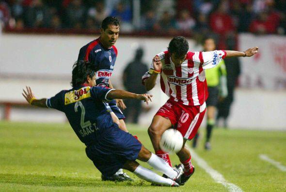 Isaac Terrazas, el zaguero del América y Veracruz se caracteriz&o...