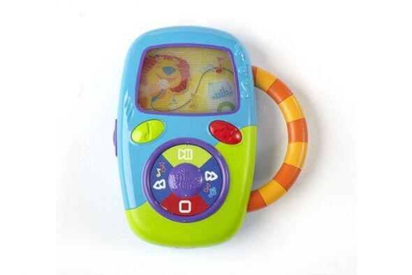 Smartphone. ¿Tu hijo vive jugando con tu móvil o tu reproductor de músic...