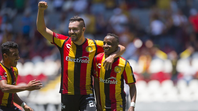 Leones Negros goleó 4-0 al Atlante en el juego de ida de los cuartos de...