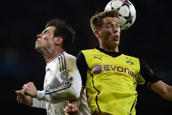 En la segunda mitad, el Borussia quiso descontar el resultado, pero su f...