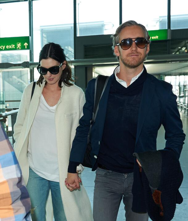 Anne Hathaway espera su primer bebé.