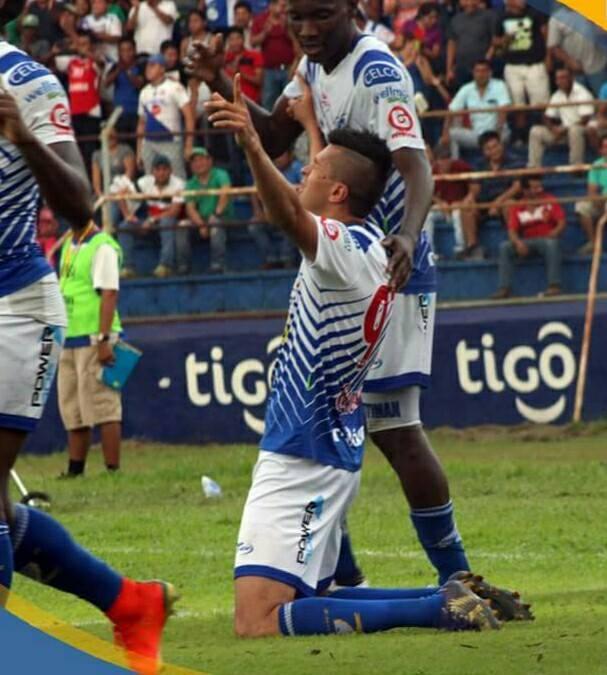 Othoniel Arce: triplete del ex Necaxa en esta jornada del fútbol guatema...