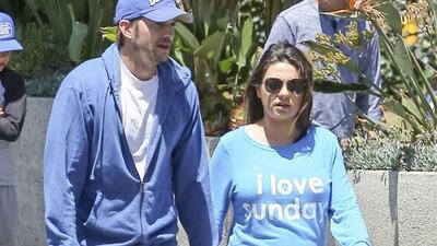 Mila Kunis y Asthon Kutcher esperan felices a su primer bebé.