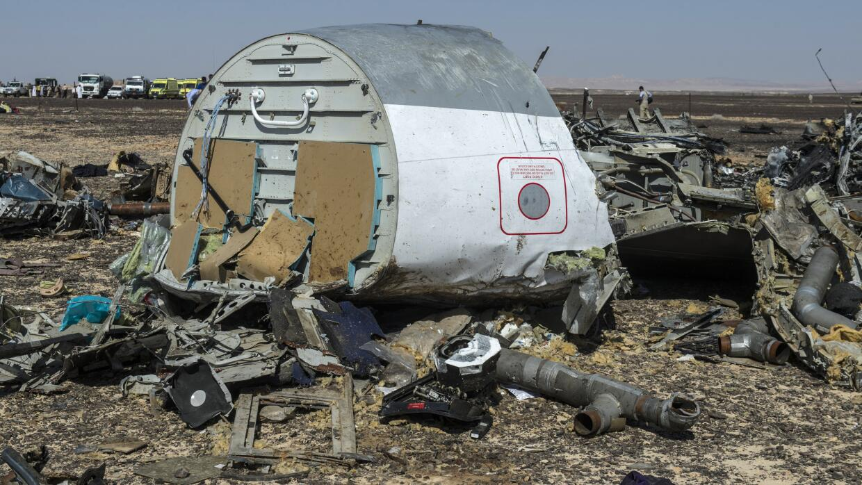 Parte de avión ruso en el suelo de Egipto.