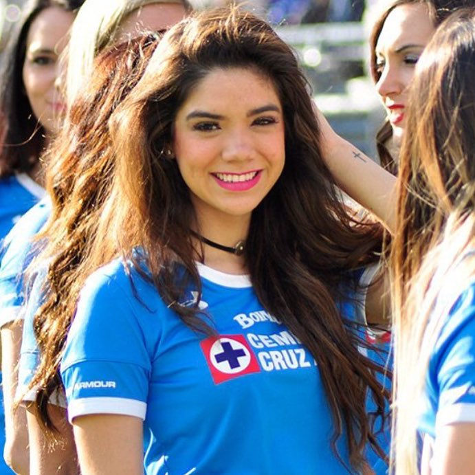 Michelle Pérez, Una Fanática Muy Sexy Del Cruz Azul