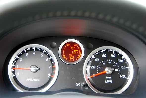 Nissan Sentra SR 2010 - Univision