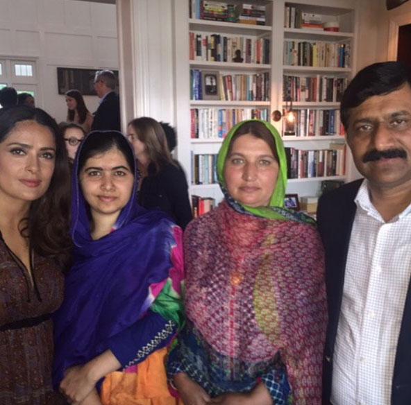 Amar A Muerte Capitulo 5: Salma Hayek Se Reunió Con Malala Yousafzai